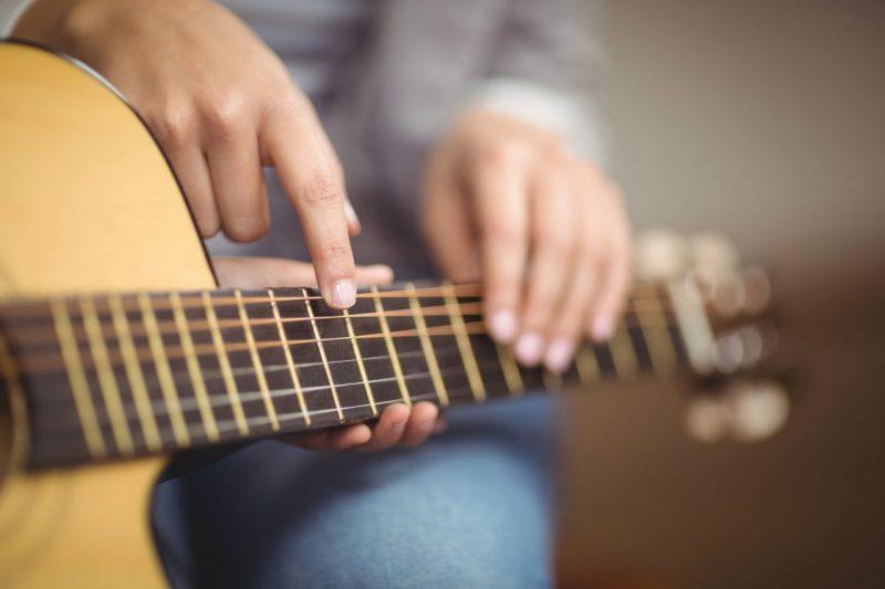 Hrajte na kytaru